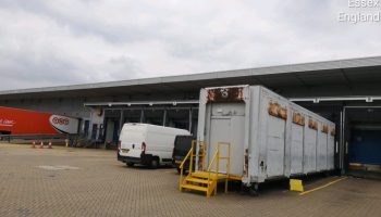 Cladding-cleaning-at-UPS-Stansted-2-1024x768
